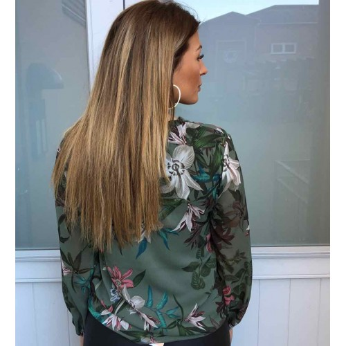 B.young sea green blouse 454
