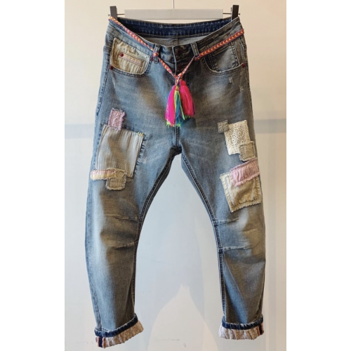 CABANA LIVING Rose patch jeans